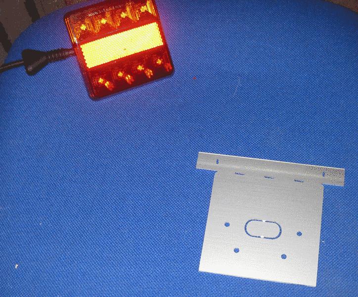 AKKU-seins - Grafik, Elektronik & mehr: Anhänger-Beleuchtung